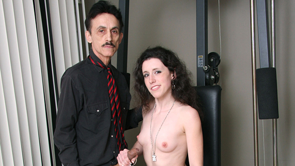 Super Seductive Teen Stepdaughter Natasha Dulce Fuck By Her Stepdad